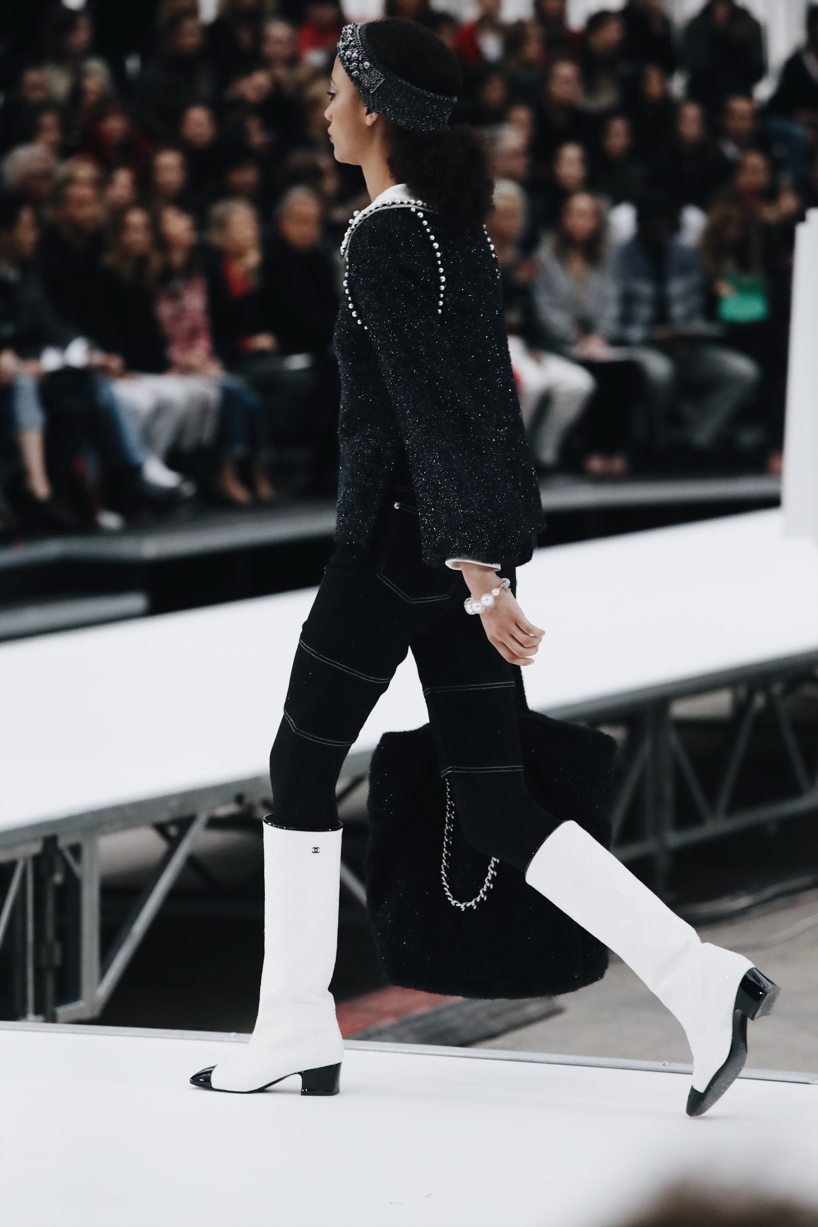 CHANEL GROUND CONTROL FW17