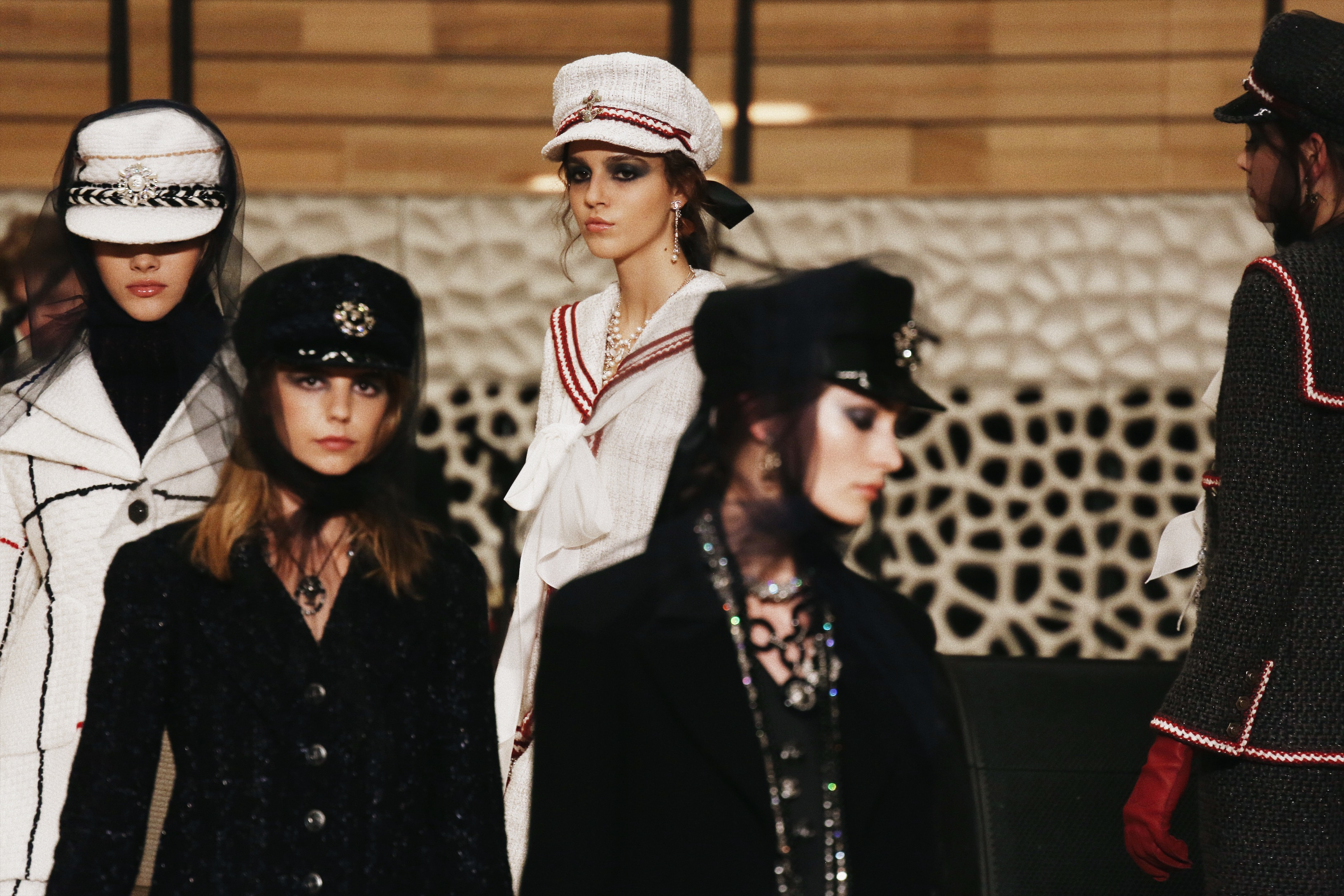 CHANEL MÉTIERS D'ART PARIS - HAMBURG 2017/18
